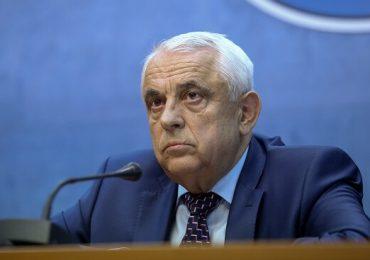 """Un europarlamentar solicită demiterea lui Petre Daea: """"A raportat din pix producţiile de porumb"""""""