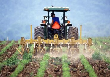 O bancă din România finanţează în avans subvenţiile acordate fermierilor