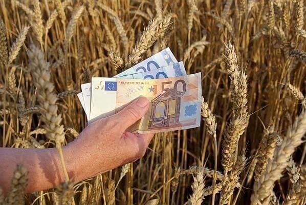 Bani europeni pentru fermieri