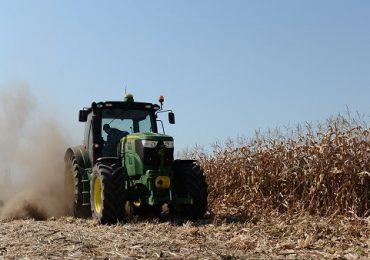 Măsura anunţată astăzi de guvern care îi priveşte şi pe fermieri