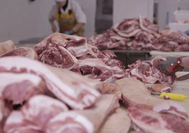Consumul de carne creşte, dar producţia internă se află în stagnare