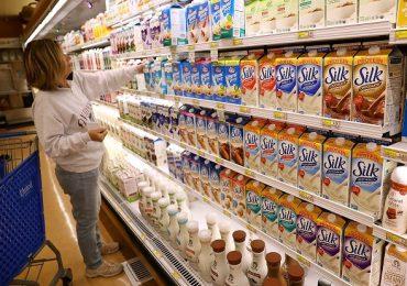 Alertă alimentară! Grăsimi hidrogenate vândute ca produse lactate! Ce sancţiuni contravenţionale au fost aplicate