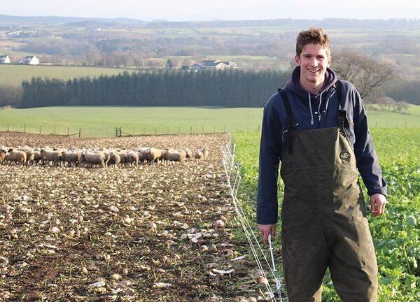 Un milion de lei pentru programul ce stimulează angajarea tinerilor în agricultură