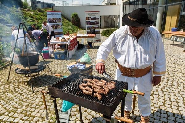 Festivalul Produselor Tradiţionale a ajuns la ediţia a 13-a