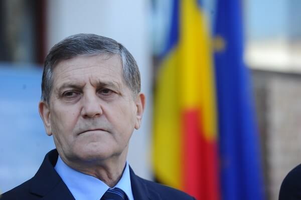 """Ioan Fetea, preşedintele Asociaţiei Crescătorilor de Albine: """"Avem probleme cu vânzarea mierii în hipermarketuri"""""""