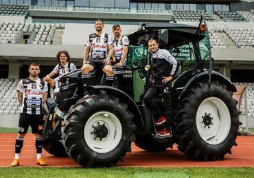 FOTO | Tractorul TAGRO, şi în variantă personalizată, pentru echipa de fotbal Universitatea Cluj