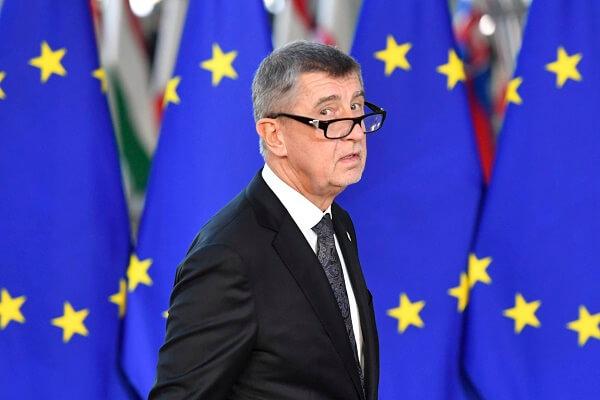 Parchetul ceh a renunţat la acuzaţiile penale împotriva premierului Andrej Babis. Agrofert a returnat voluntar fondurile europene