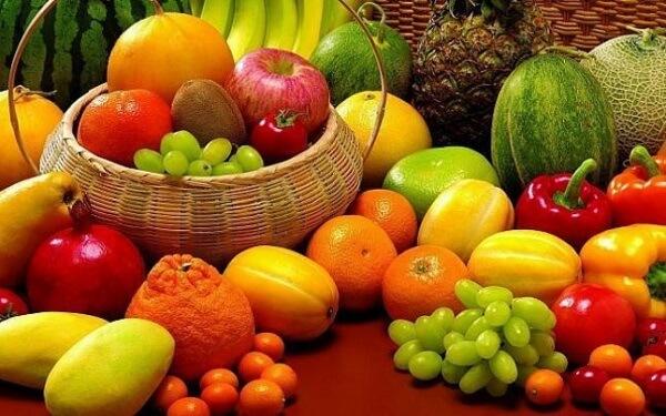 Raport îngrijorător în Franţa | Reziduuri de pesticide, descoperite în 71% din fructe şi în 43% din legumele non-bio