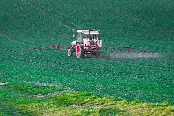 România, printre ţările cu cele mai mari vânzări de pesticide