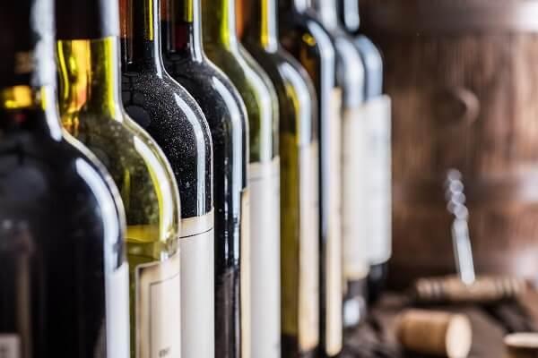 Producţia de vin a Franţei va scădea în acest an din cauza condiţiilor meteo nefavorabile