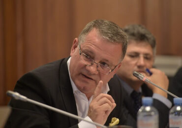 Adrian Oros, la reuniunea consiliului de miniştri