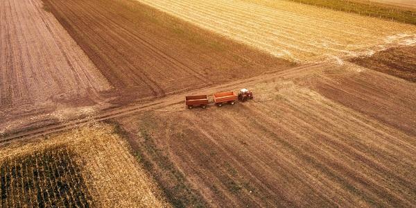Tehnologia rămasă în urmă în agricultură trage România în jos