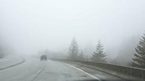 Jumătate din ţară, sub cod galben de ceaţă şi chiciură