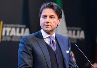 Italia va distribui bonuri alimentare persoanelor defavorizate