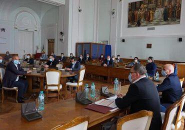 Subiectele abordate de ministrul Adrian Oros în vizita de lucru din judeţul Bihor - VIDEO